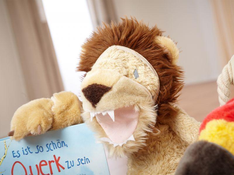 Querk »Cedric« mit Löwen-Kostüm, Set inkl. Buch & CD