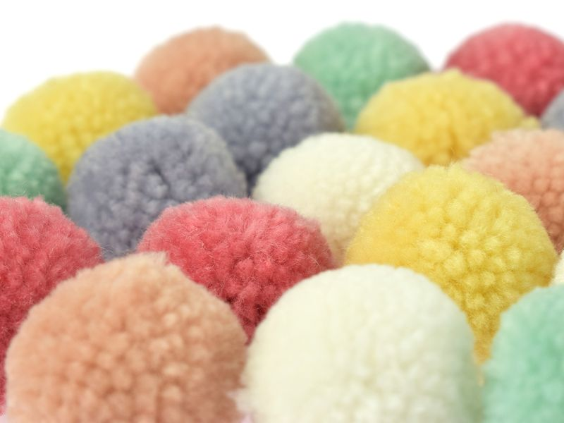 Woll-Pompons Pastell