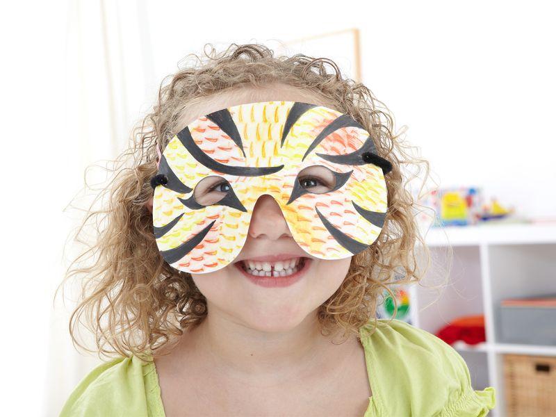 Kindermasken aus Karton, 40er